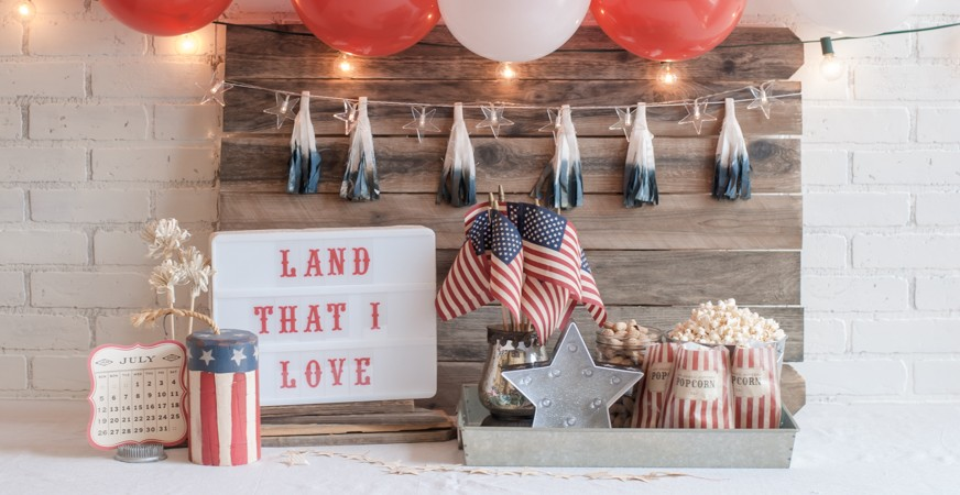 Celebration in Lights and Marquee Love create beautiful July 4 party decorations. | @jamiepate for @heidiswapp