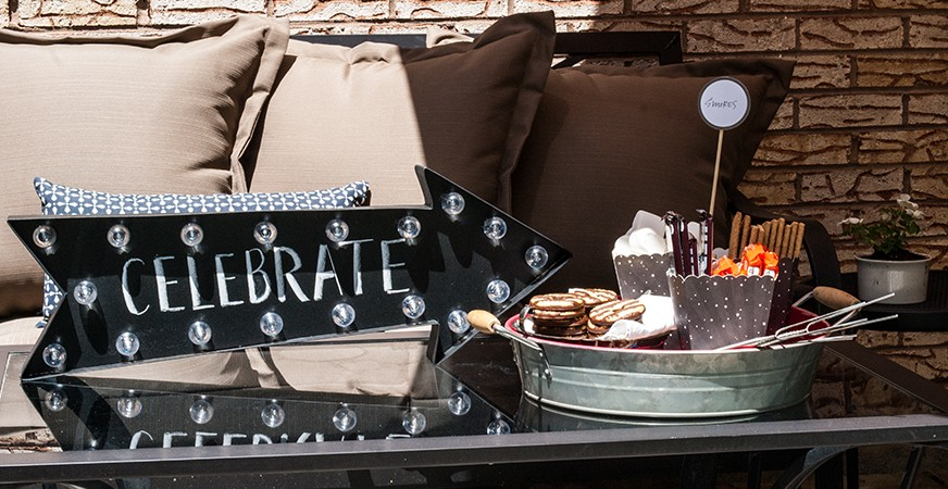 S'more Bar Inspiration :: Celebration in Lights | @MaggieWMassey for @HeidiSwapp