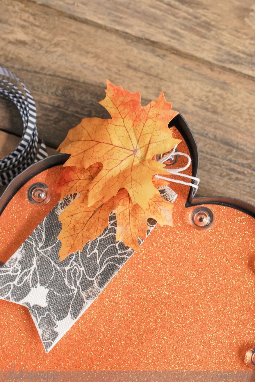 Creating autumn pumpkins from Heidi Swapp Halloween In LIghts at MIchaels Stores | @jamiepate for @heidiswapp