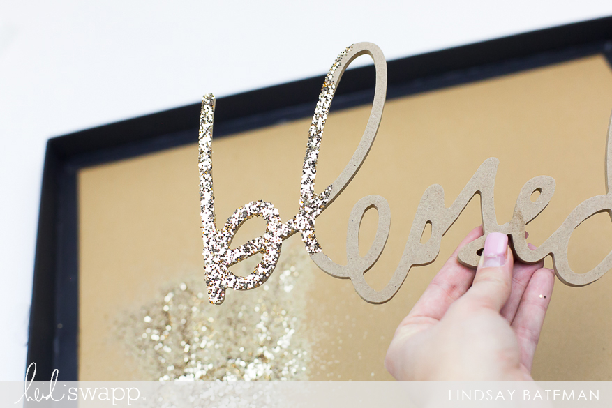 DIY Glitter Technique using Heidi Swapp Wall Words and Marquee Glitter I @lindsaybateman for @heidiswapp