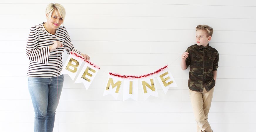 How to Make a Foiled Banner by @heidiswapp using the Minc Foil Applicator
